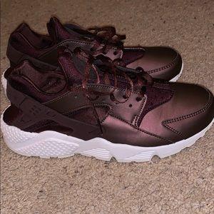 Purple metallic Nike Huarache
